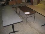 Lot: 01 - (5) Tables