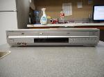 Lot: 1083 - Sony SLV-D370P DVD Player/VCR