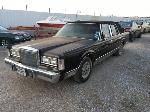 Lot: 15 - 1988 Lincoln Town Car