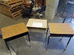 Lot: 711 - (50) Student Desks