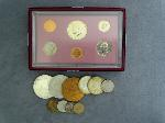 Lot: 2213 - KENNEDY HALVES, V NICKEL & FOREIGN COINS