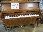 Lot: 212.LUB - Piano Everett