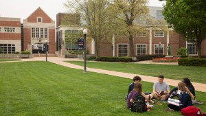 LVC students study on the academic quad in front of Bishop Library