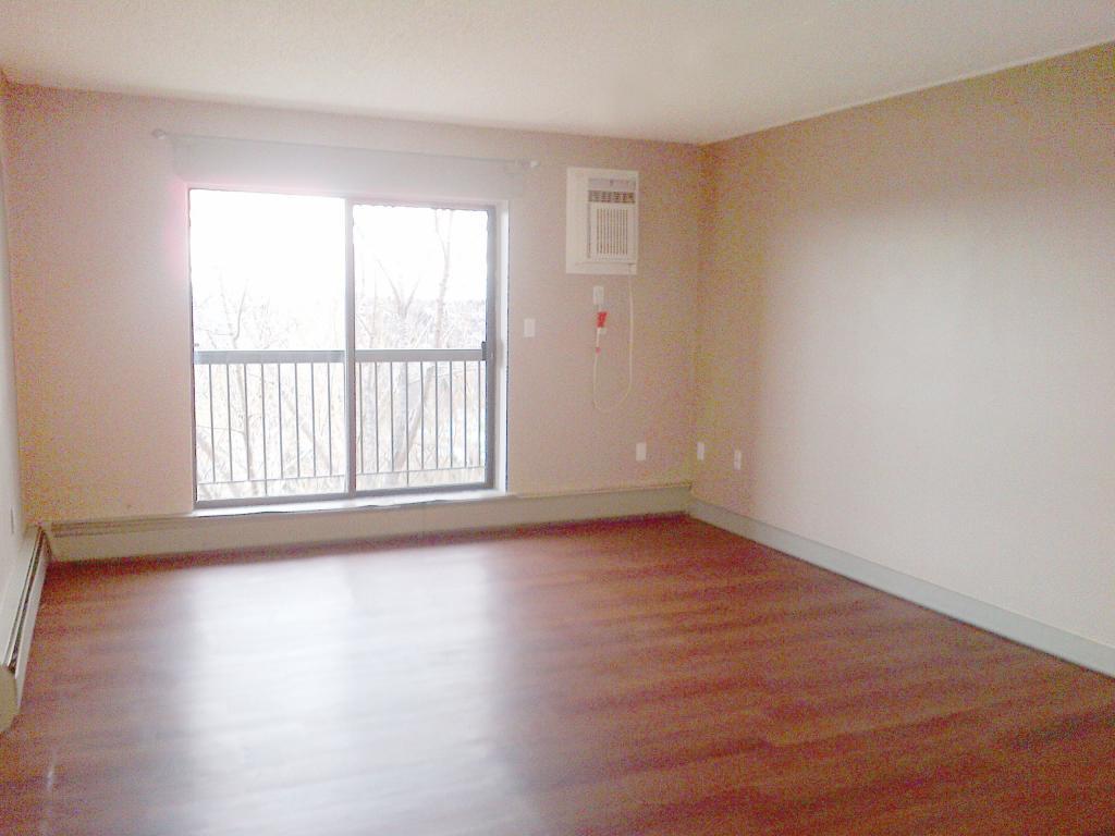 Three Bedroom For Rent Edmonton Newer Three Bedroom Condo