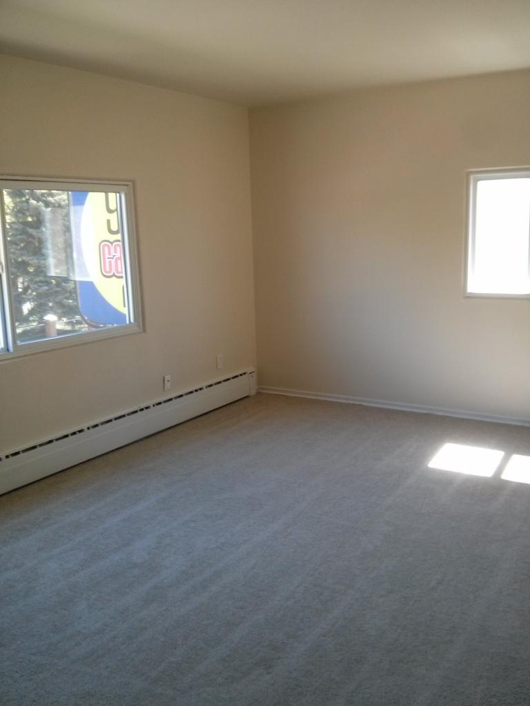 Simon's Court - Lease before July 10th and pay only $500 for July's rent