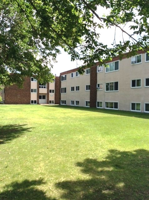 Canada West Courts - - Rest of May Free - Great Monthly Rental Incentives