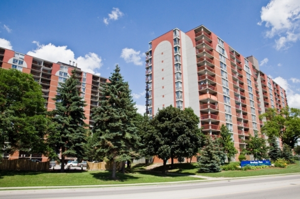 Kitchener West 3 bedroom Apartment