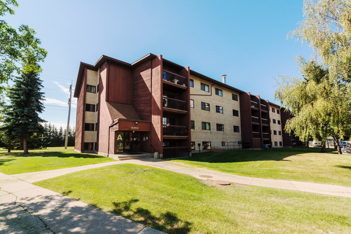 Edmonton West 1 bedroom Apartment For Rent