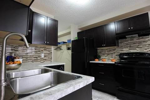 Edmonton South East 3 bedroom Apartment For Rent