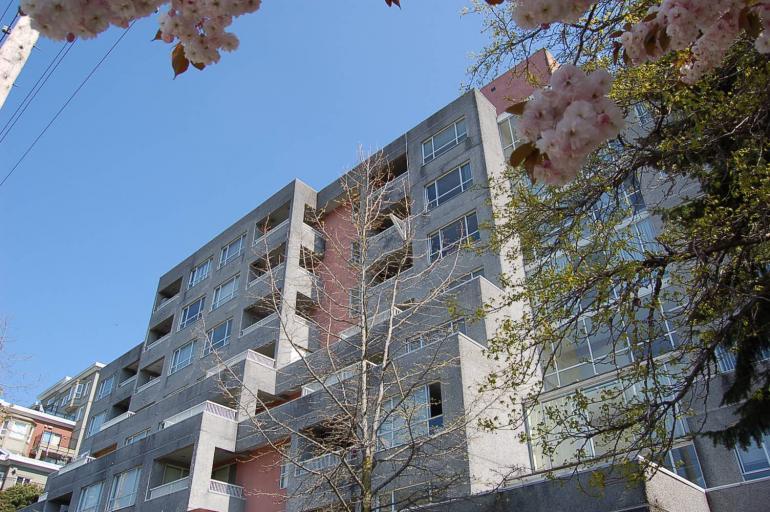 Elmwood Apartments