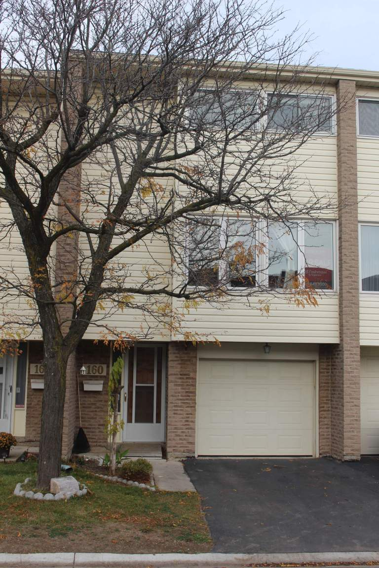 3 bedrooms london south townhouse for rent ad id fpm - White oaks swimming pool london ontario ...