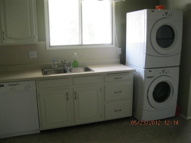 Winnipeg South East 4 bedroom House For Rent