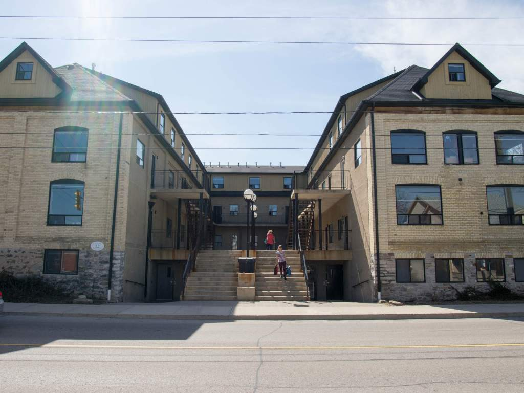 Waterloo Apartment for rent, click for more details...