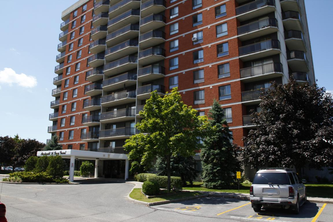 Macdonald Apartments For Rent At 26 Leroy Grant Drive In