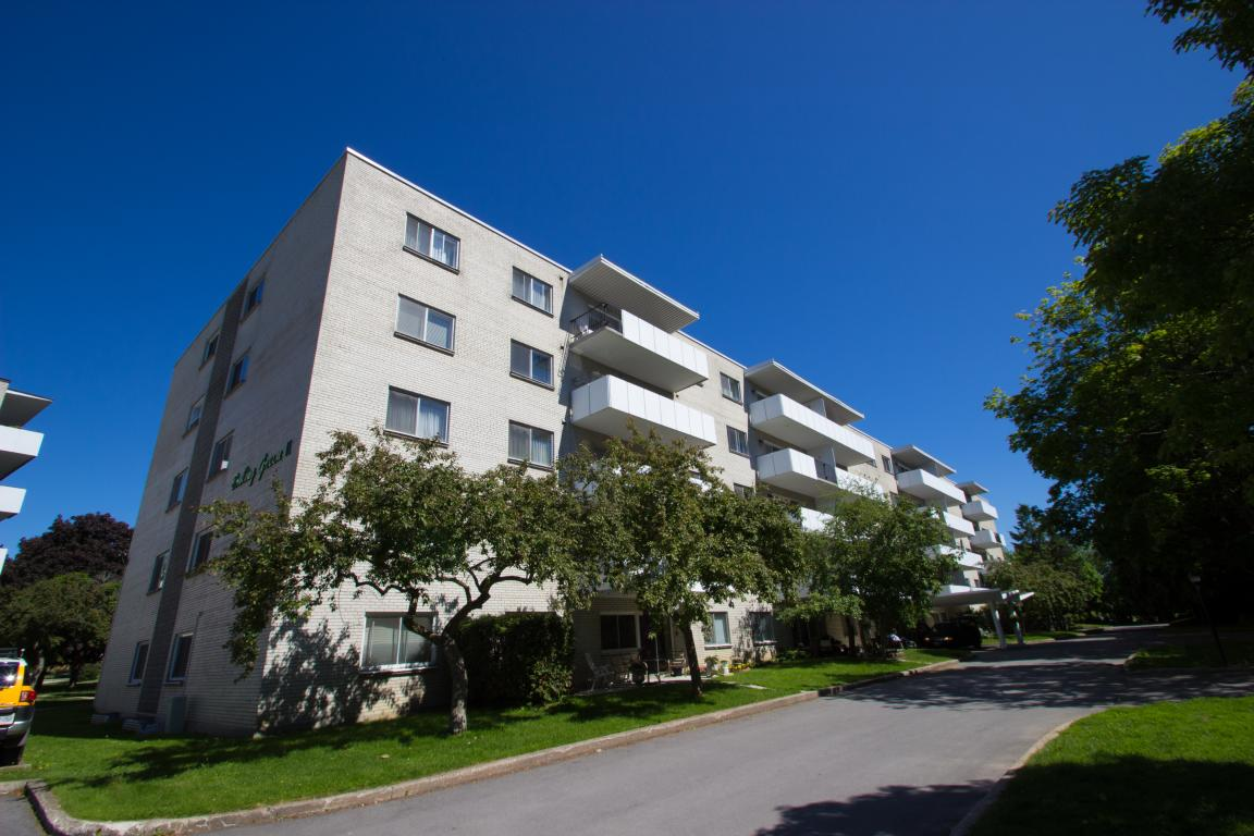Kingston 2 bedroom Apartment For Rent