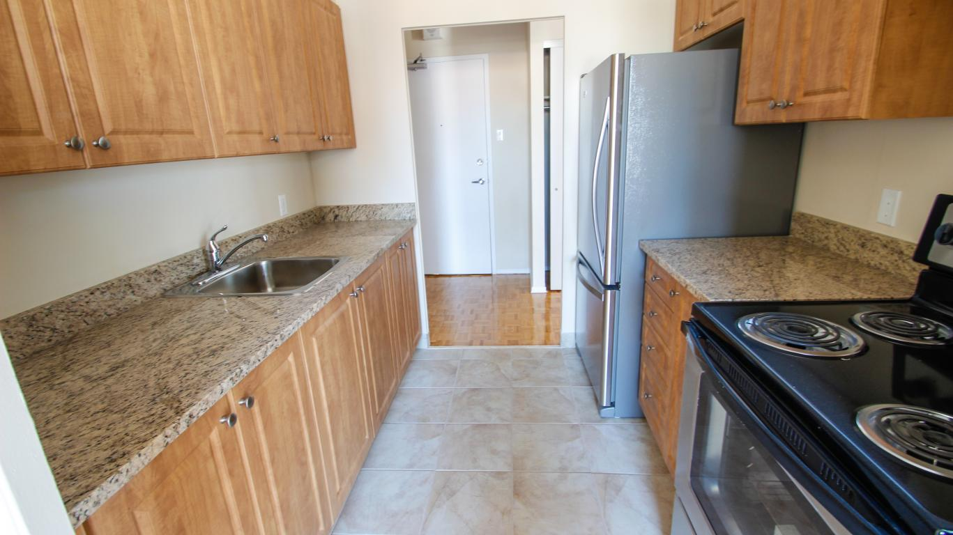 Kingston apartment photos and files gallery ad id for 3 bedroom house for rent kingston ontario