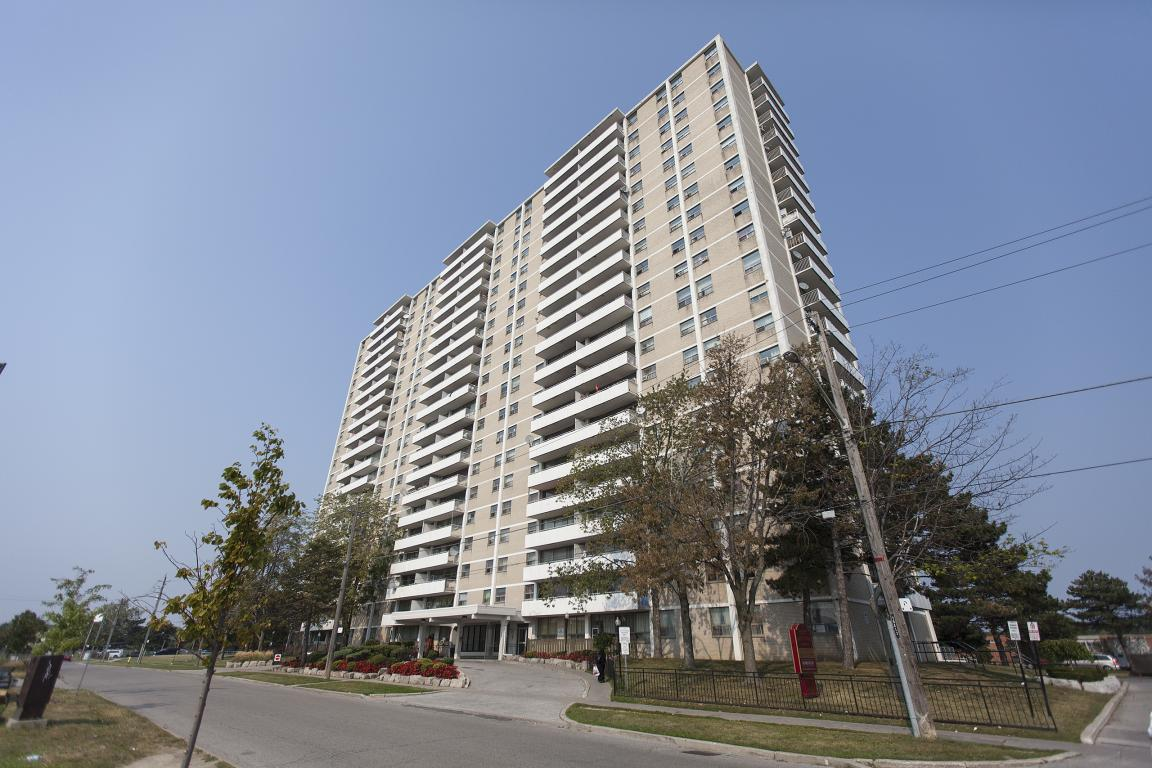 Toronto East 3 bedroom Apartment For Rent