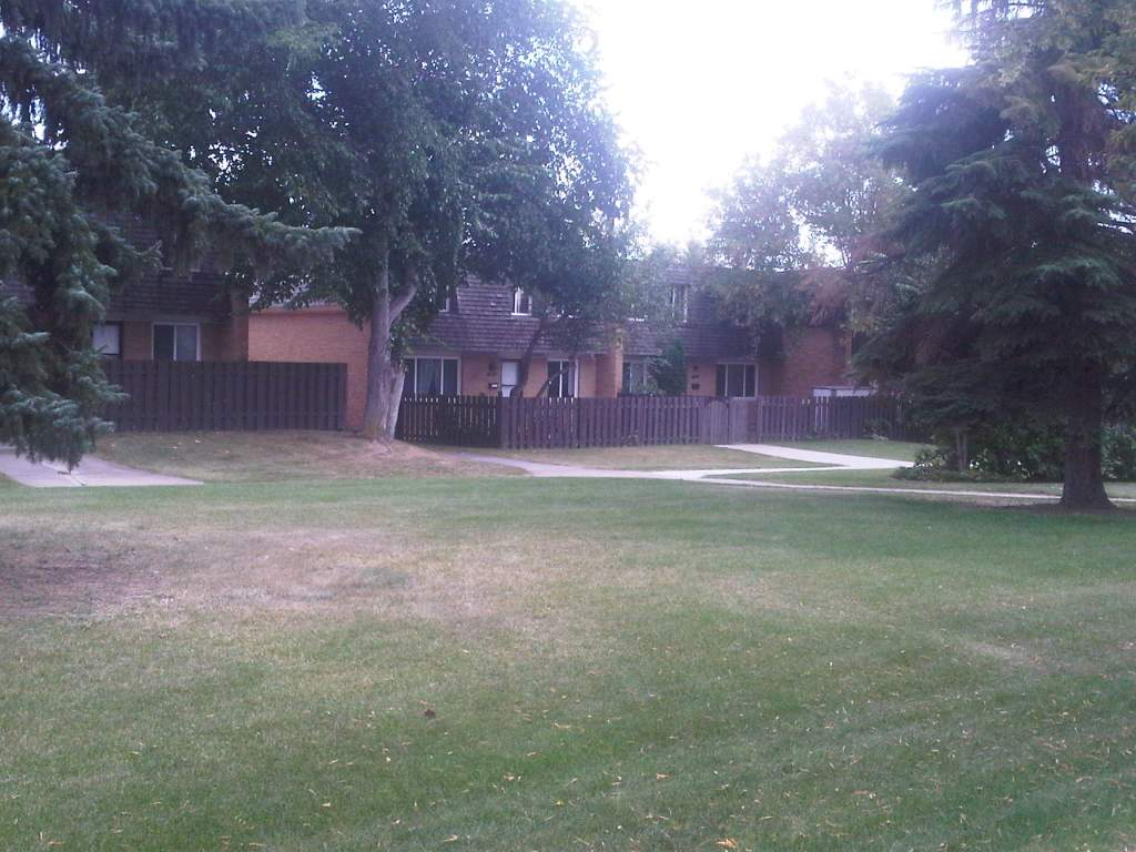 Edmonton North East 4 bedroom Townhouse For Rent