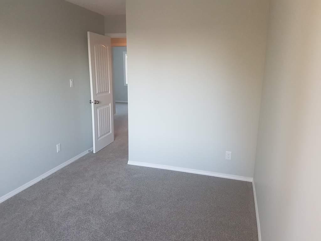 Edmonton Du Sud-est 4 chambre à coucher Maison urbaine À louer