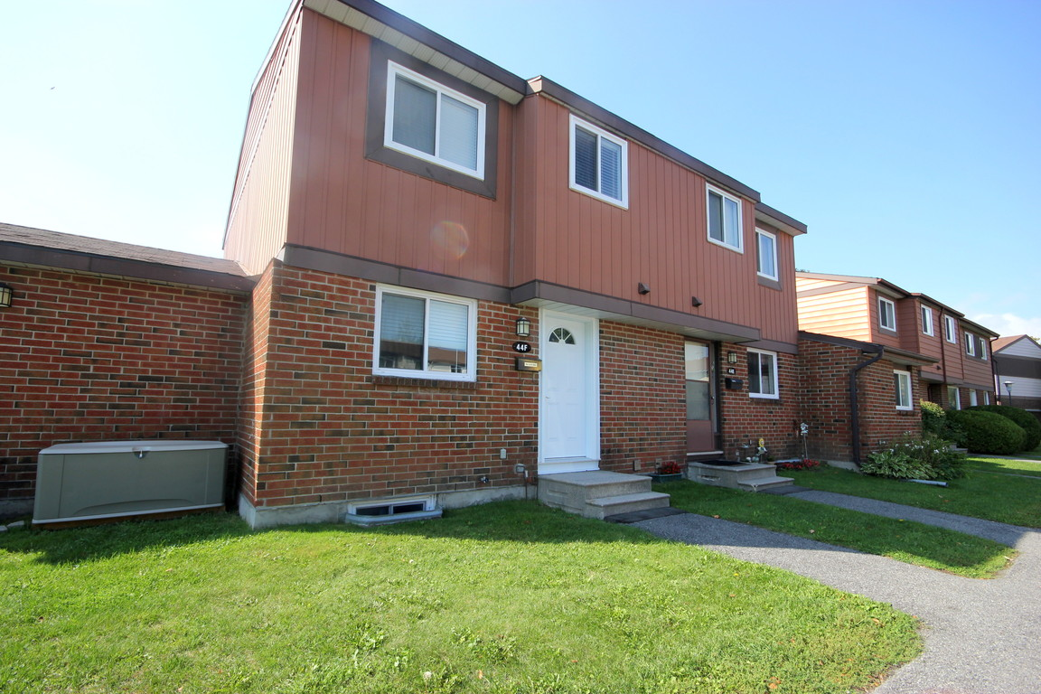 Ottawa South 3 bedroom Townhouse