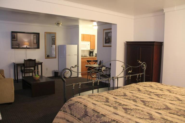 Grande Cache Hotels Acorn Motel Macro Properties