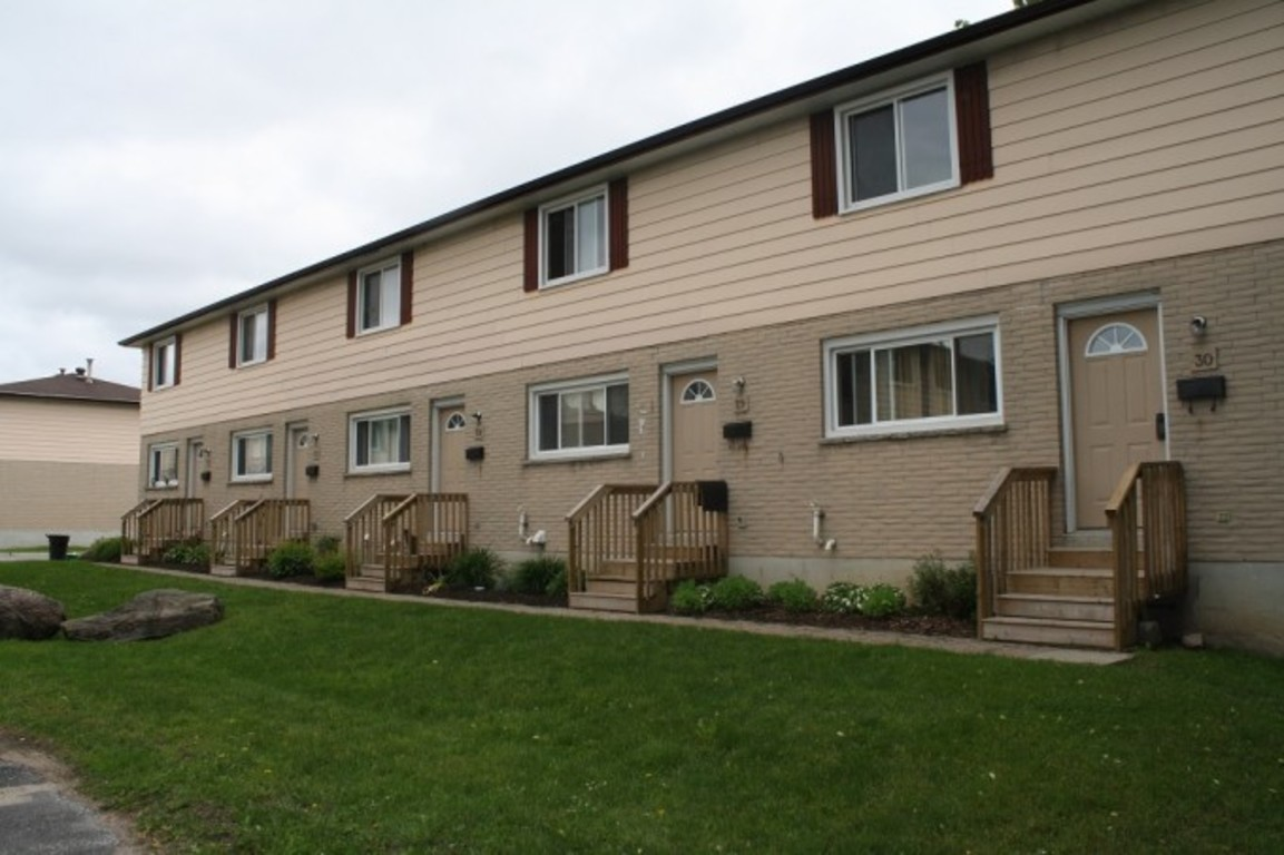 Orillia Townhouse for rent, click for more details...