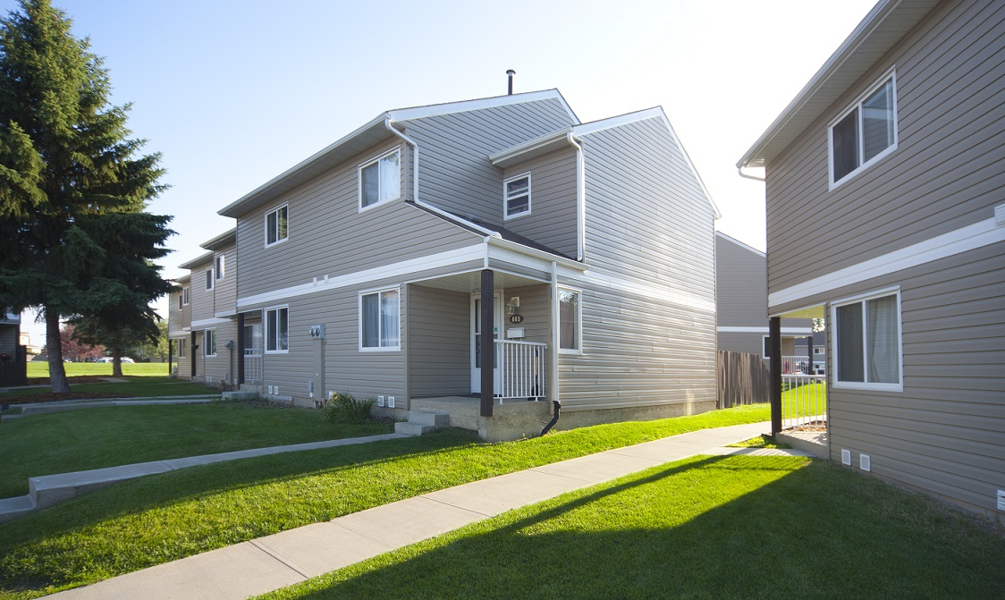 3 bedrooms edmonton north east townhouse for rent ad id for 3 bedroom townhouse