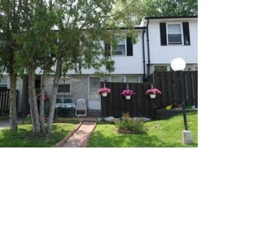 Oshawa 3 bedroom Townhouse For Rent