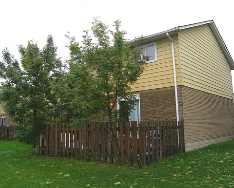 Brantford Ontario Townhouse For Rent