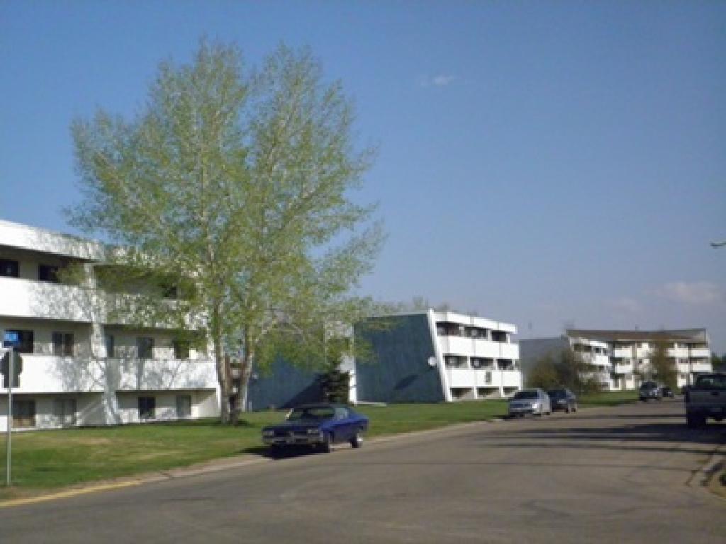 Squires Court Apartments