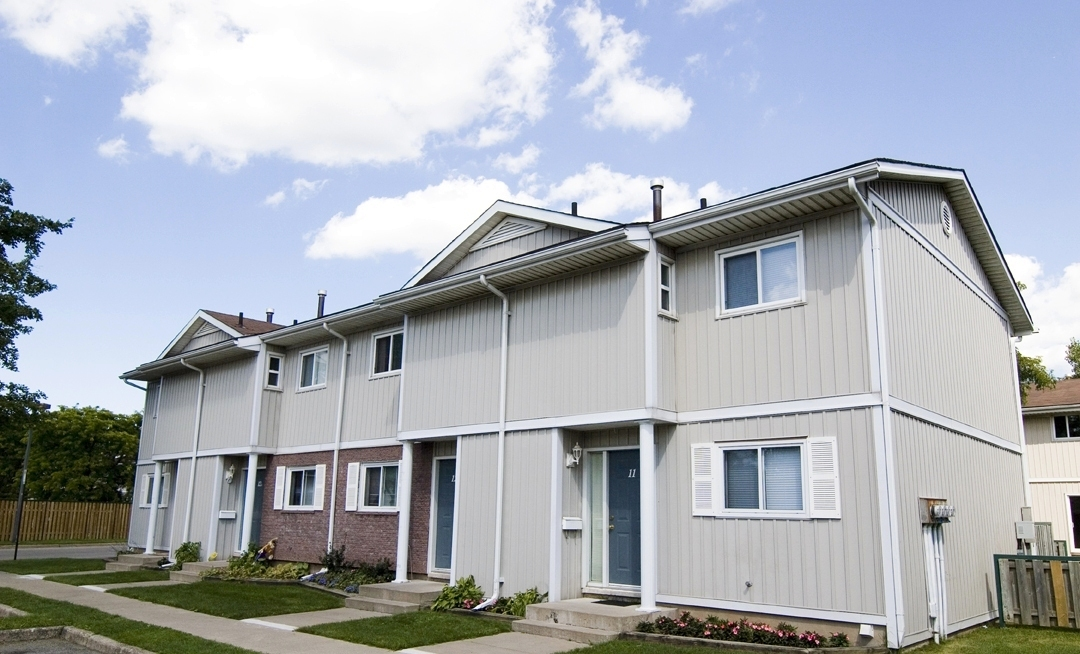 Welland Woods Village Property for Rent St. Catharines Exterior