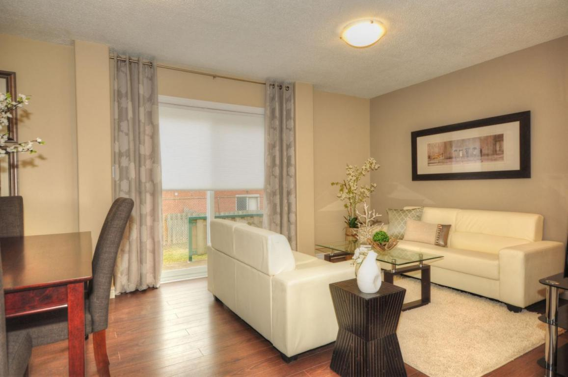 Welland Woods Village Property for Rent St. Catharines Living Room