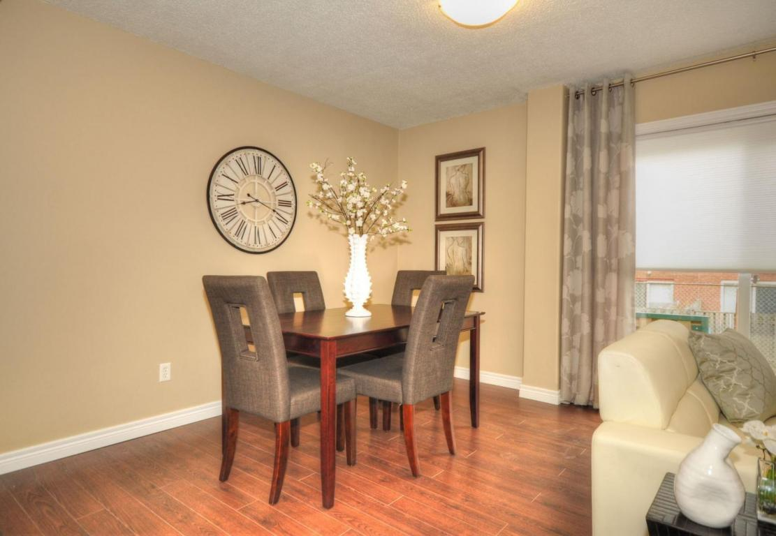 Welland Woods Village Property for Rent St. Catharines Dining Room