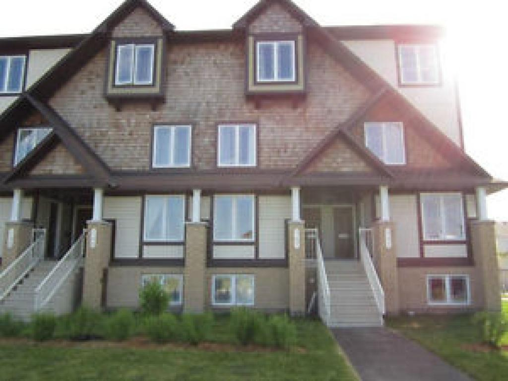 Orleans Townhouse for rent, click for more details...