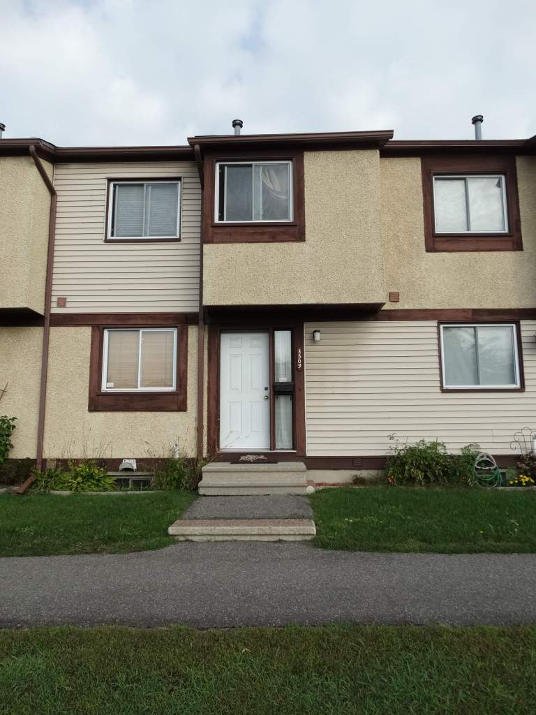 Ottawa West 3 bedroom Townhouse For Rent