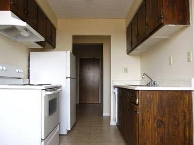 Tecumseh 1 bedroom Apartment