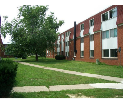Courtyards Of Parkway Apartments Meadowbrook Lane Windsor On York Property Management