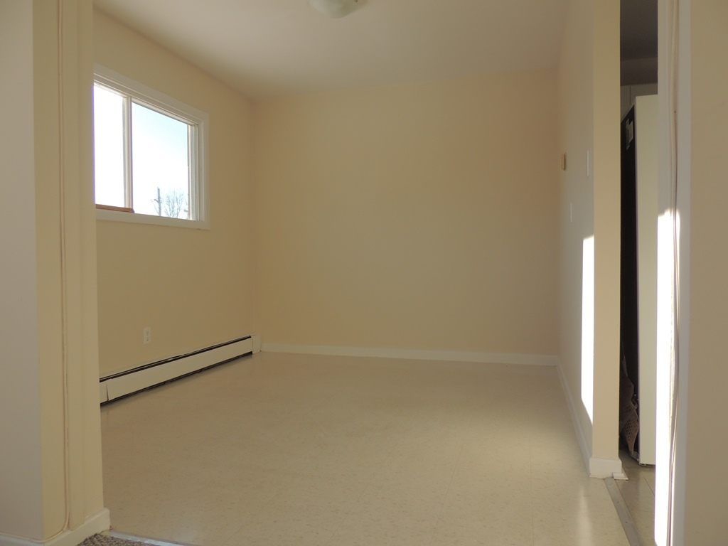 Garson Apartment for rent, click for more details...