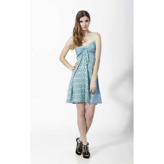 Modelos de vestidos cortos en color azul