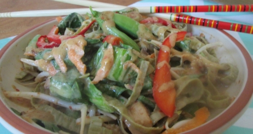 RAW VEGGIE AND MUNG BEAN NOODLES WITH THAI 'PEANUT' SAUCE ~E.G.PLOTTPALMTREES.COM