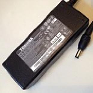 Toshiba 19V, 3.95A, Pin 5.5mm x 2.5mm
