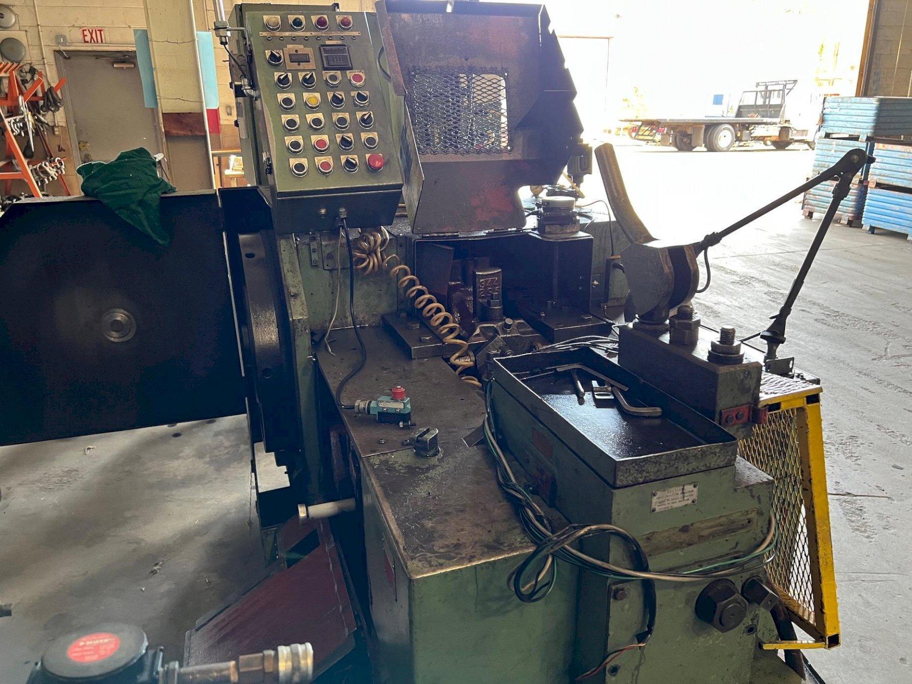 国家320型高速压路机