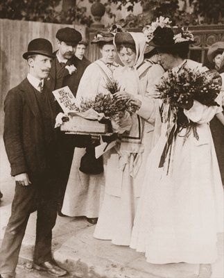 Fine Art Print of Christabel Pankhurst and Emmeline Pethick Lawrence purchasing Scottish heather for the release of Mary Philips, 18th September, 1908 by English Photographer