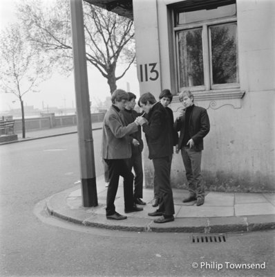 "Rolling Stones, ""smoking on the corner"", Cheyne Walk (small) by Philip Townsend - art"