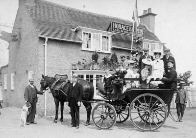 Old Fieldhouse Inn, Wolverhampton, 1906 by Unknown - print