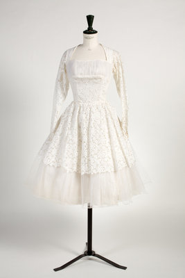 Wedding dress of Nottingham Witchcraft lace, 1961 by Unknown - print