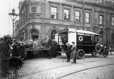 Accident, Darlington Street, Wolverhampton, Early 20th century by unknown - print