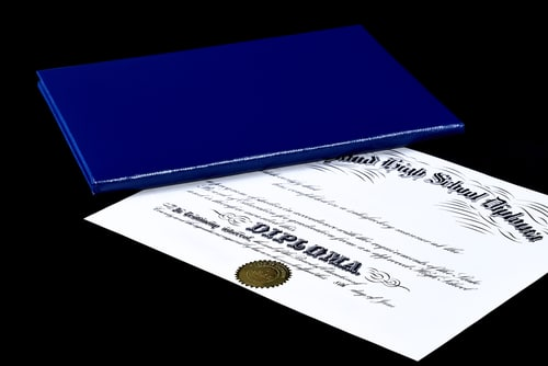 high school diploma vs a ged Although a ged diploma was designed to be a substitute for high school graduation, the two diplomas don't necessarily offer the exact same benefits when it comes to getting into college the ged testing service reports that 95 percent of colleges will accept a ged diploma, but this doesn't mean that .