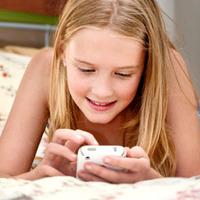 Qual é a hora certa de dar um celular ao seu filho.