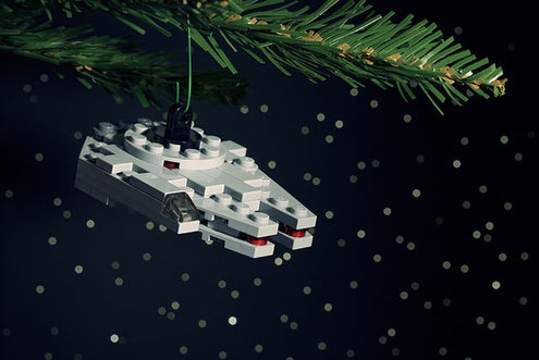 Lego_star_wars_ornament_m_falcon